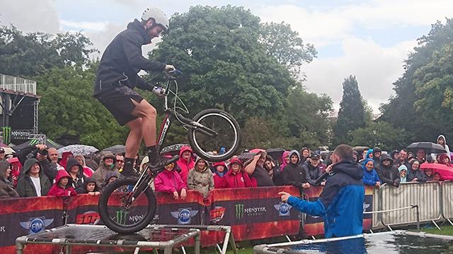Savage Skills freestyle mountain bike stunts