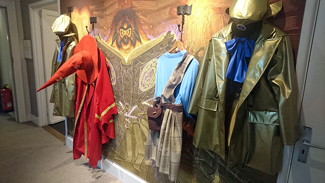 Dress up as a Discworld character