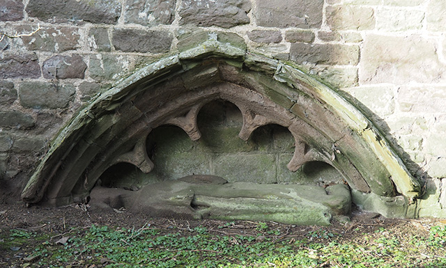 A canopied tomb recess.