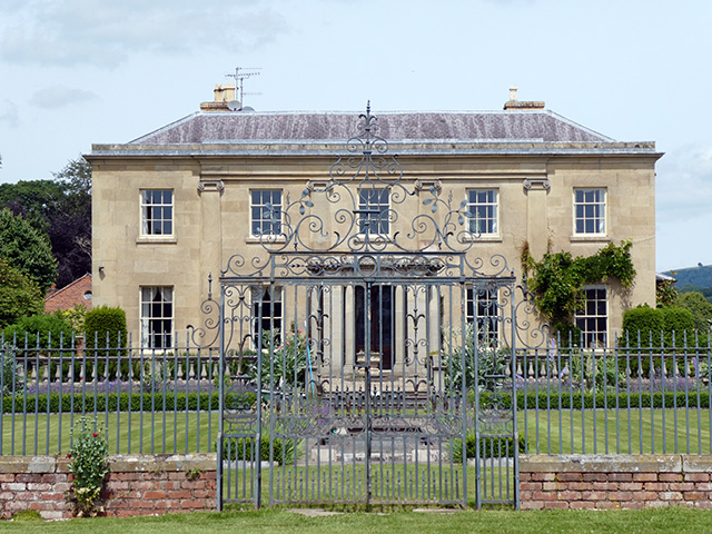 Glansevern Hall