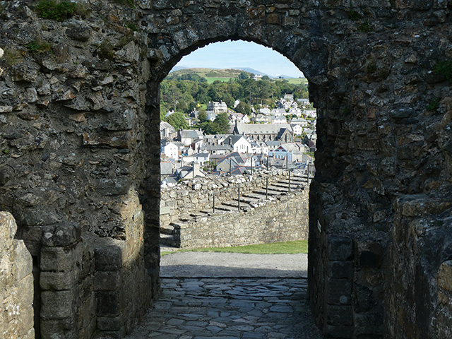 Looking out through the Inner Gatehouse.