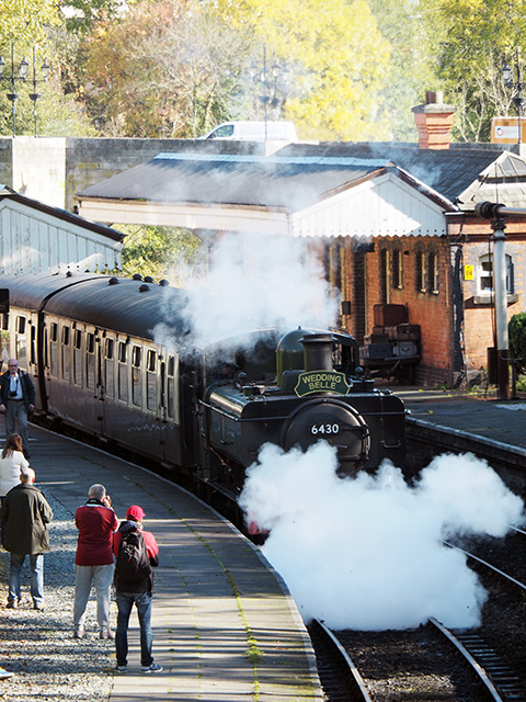 Steam train leaving Llangollen Station.