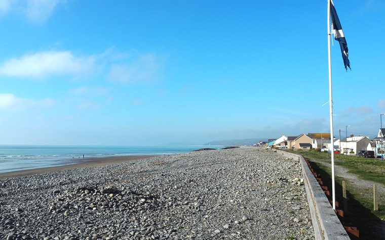 The beach at Borth.