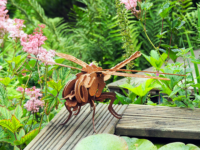 A metal dragonfly.