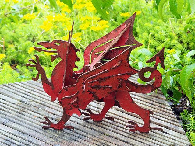 Y Ddraig Goch (Welsh Dragon).